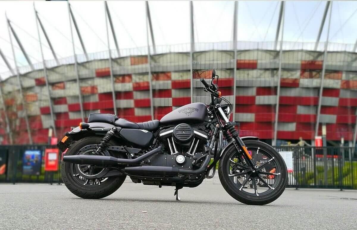 Jazda Harleyem Davidsonem jako pasażer