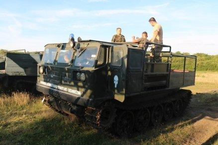Przejazd ciągnikiem militarnym ATS