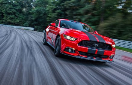 Ford Mustang GT- Jazda na torze