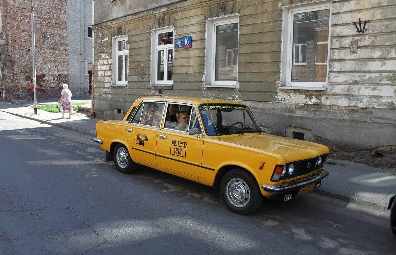 Zwiedzanie Warszawy fiatem 125p