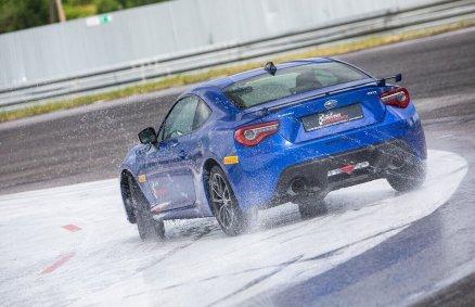 Trening bezpiecznej jazdy - Subaru BRZ