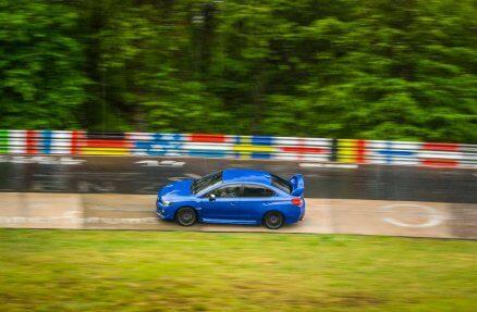 Jazda Subaru na torze Nurburgring