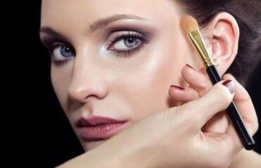 Warsztaty robienia makijażu