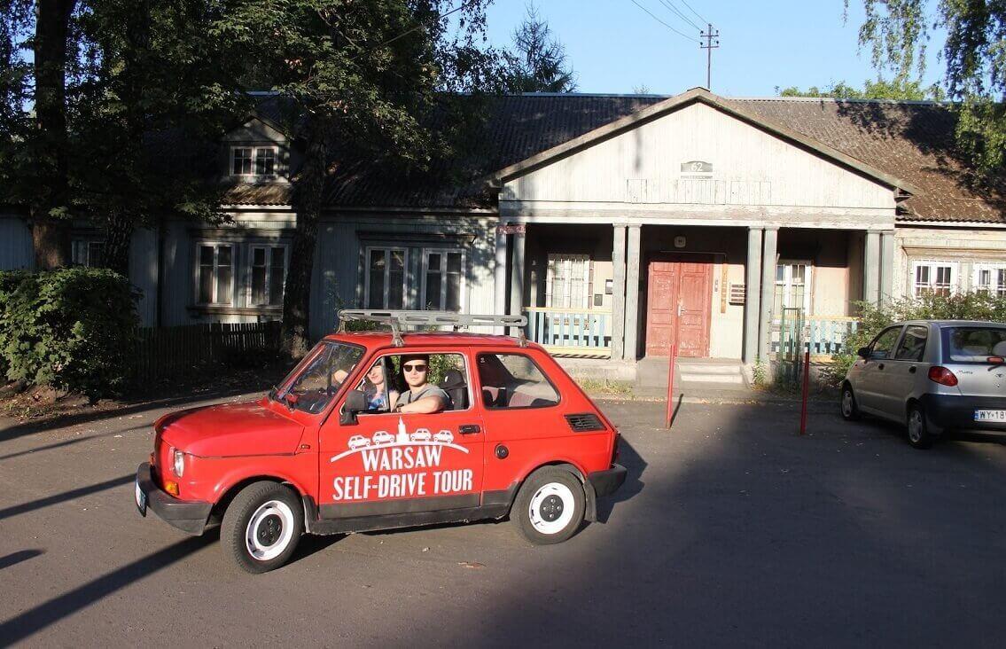 Zwiedzanie stolicy Polski Fiatem 126p
