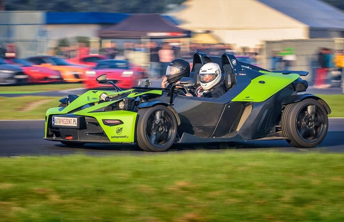 KTM X-Bow na torze - jazda za kierownica bolidu