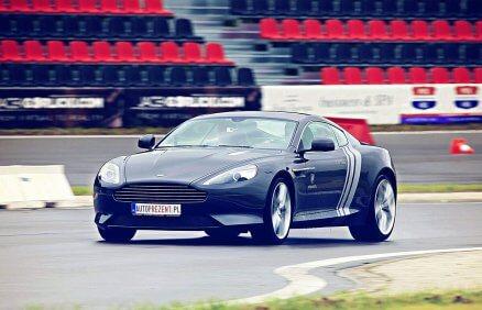 Jazda Aston Martinem DB9 na torze