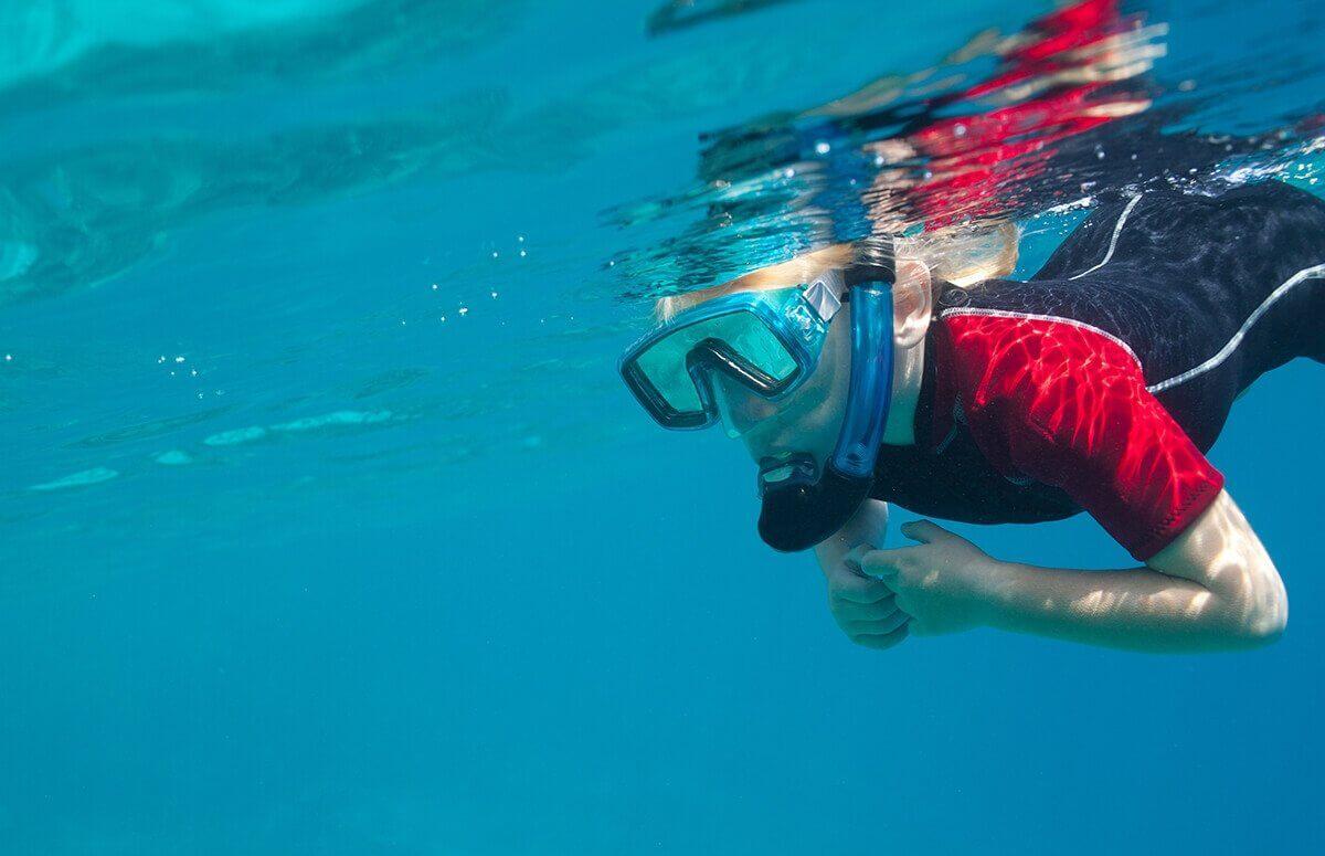Nauka nukowaniadla dzieci w basenie