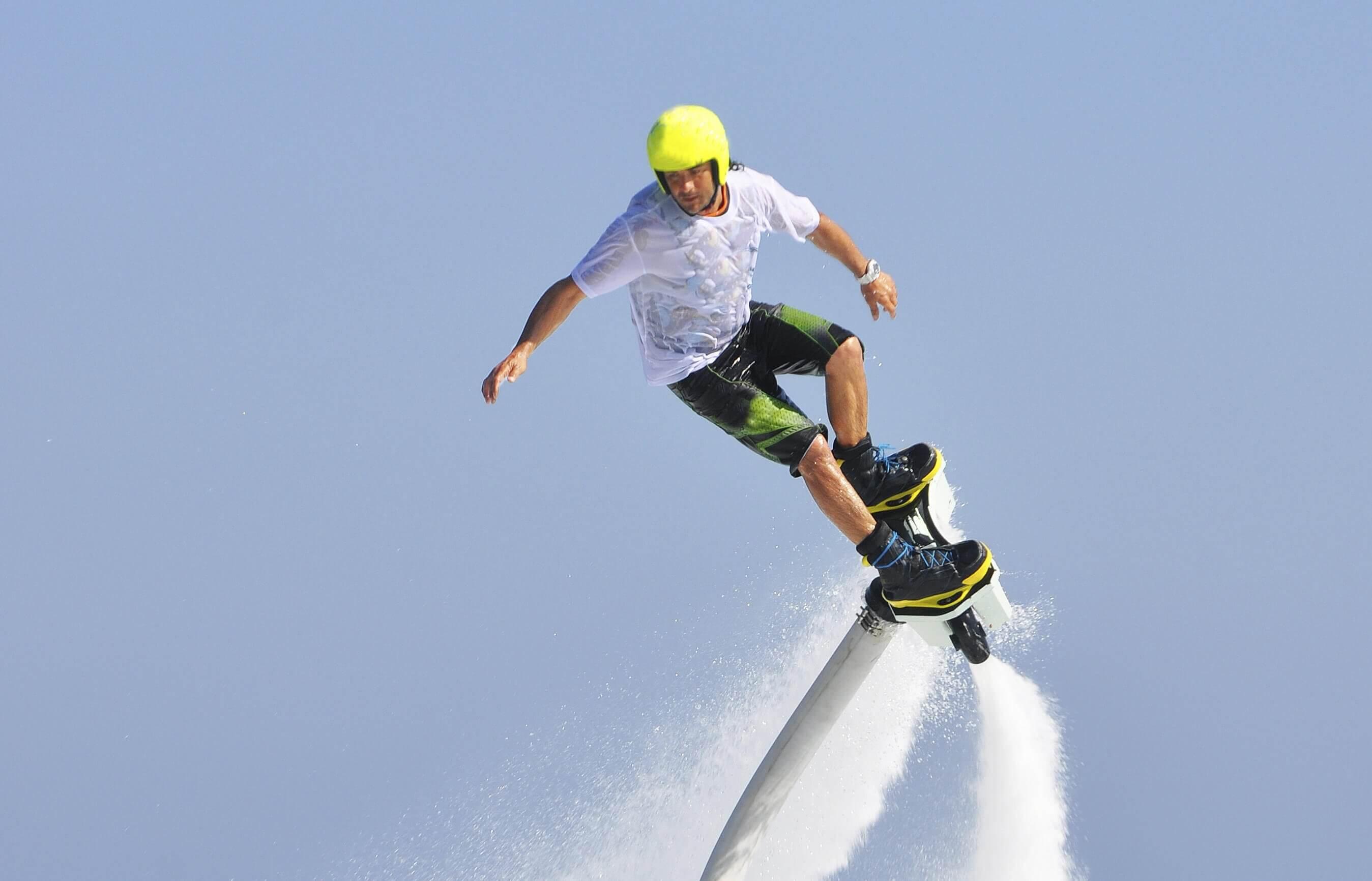 Flyboard to ekstremalne emocje na wodzie