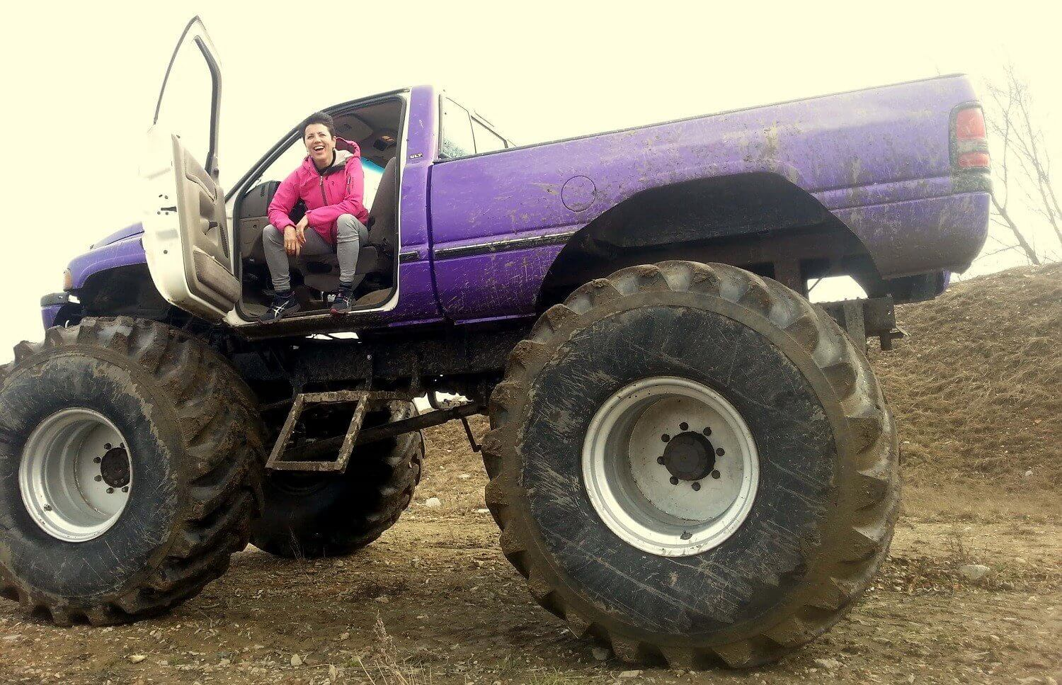 Monster Truck na torze off-road