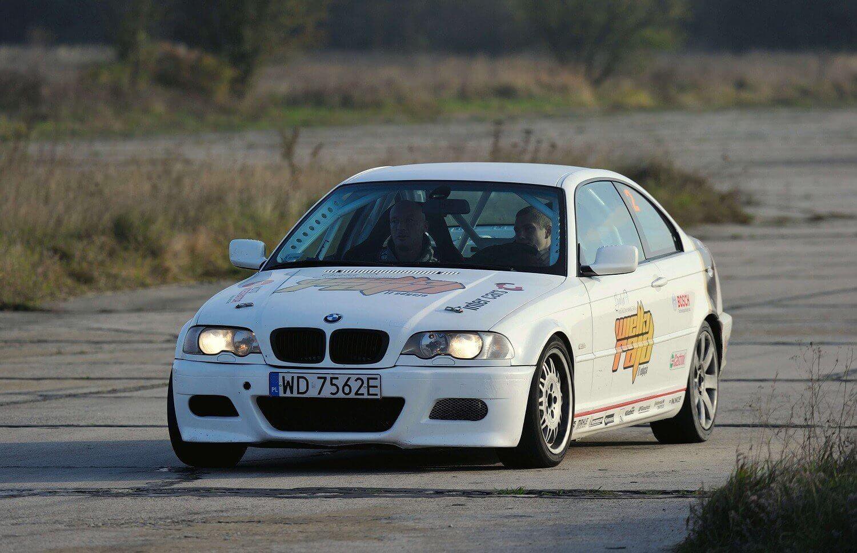 Szaleństwo na torze wyścigowym - BMW M3