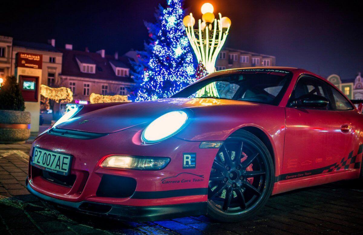 Przejazd Porsche ulicami poznania