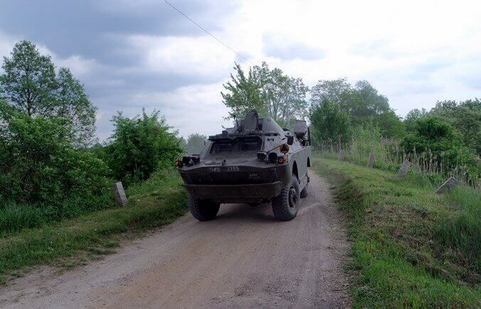 Poprowadź transporter brdm-2