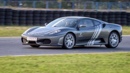 Nissan GTR - Jazda na torze wyścigowym (1 okr.)