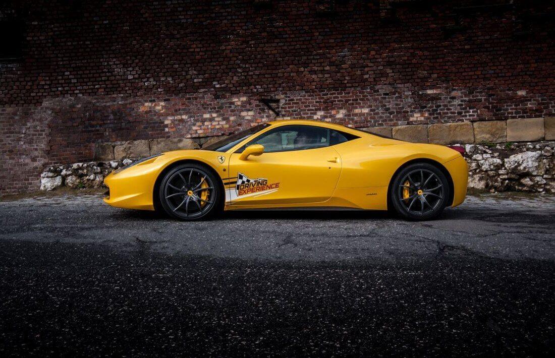 Przejazd za kierownicą Ferrari Italia