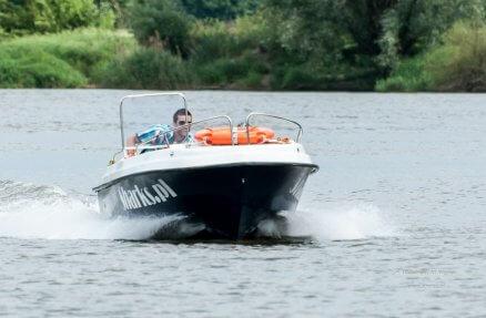 Rejs łodzią motorową po Odrze