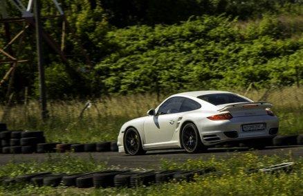 Jazda Porsche Turbo S na torze (3 okr.)