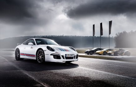 Jazda Porsche 911 na torze wyścigowym (5 okr.)