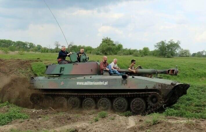 Jazda dla 5 osób - pojazdy militarne