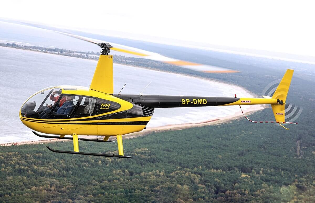 Helikopter - przelot nad Zatoką Gdańską wzdłuż linii brzegu