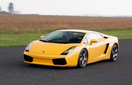 Weekend z jazdą sportowymi autami