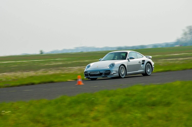 Porsche Torbo S - przejazd na torze