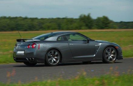 Jazda Nissanem GTR na torze (6 okr.)
