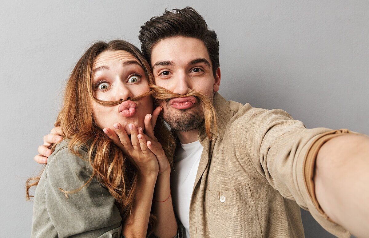 Sesja fotograficzna dla pary - romantyczny prezent dla dwojga