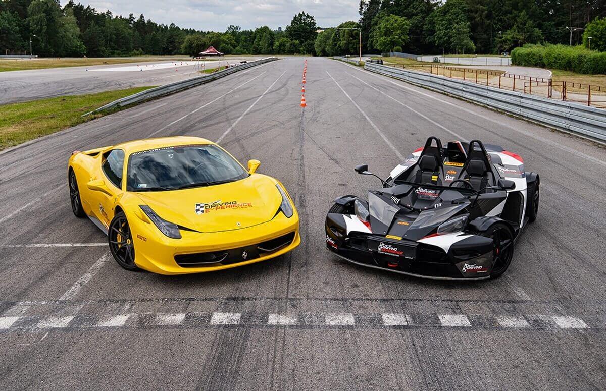 Ferrari Italia vs KTM X-Bow - Pojedynek na torze