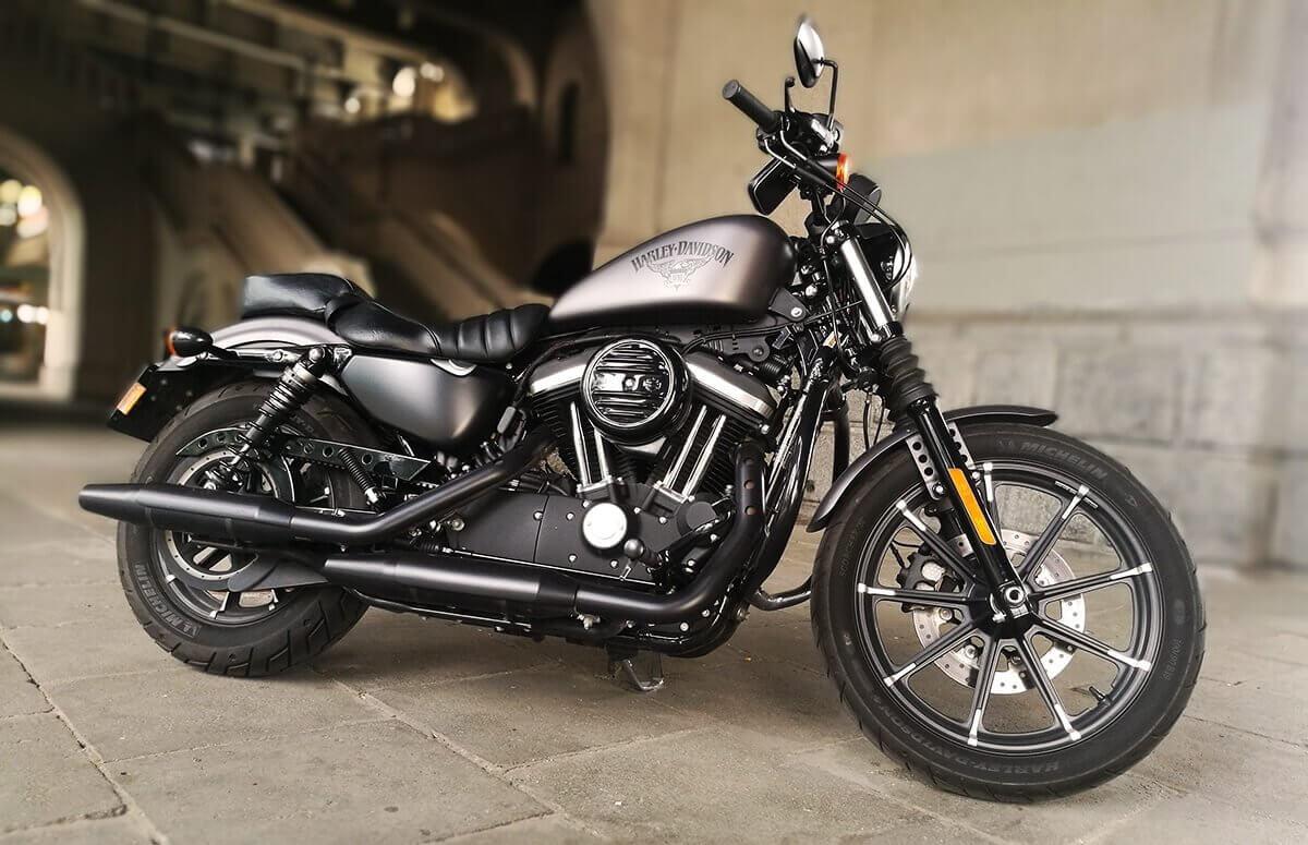 Harley Davidson - Jazda motocyklem w prezencie