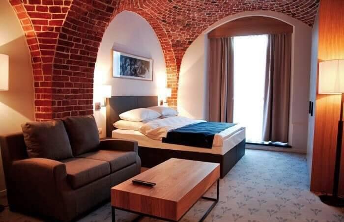 Stylowe wnętrza apartamentu hotelowego w The Granary we Wrocławiu