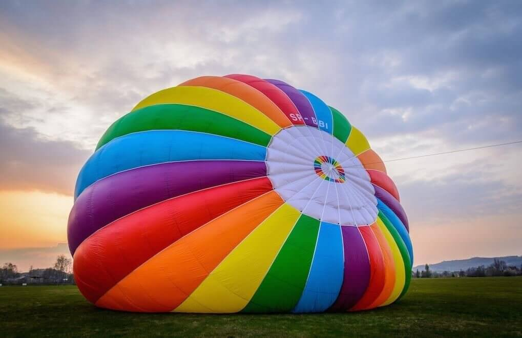 Lot w balonie dla przyjaciół