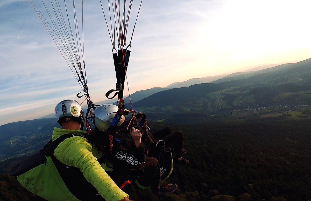 Paralotnia - lot tandemowy w Beskidzie Wyspowym