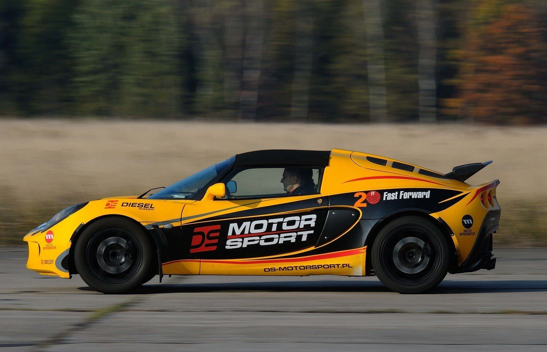 Samodzielne prowadzenie sportowego Lotusa