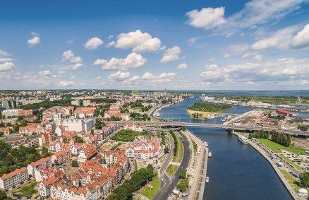 Szczecin z lotu ptaka widziany podczas lotu widokowego awionetką