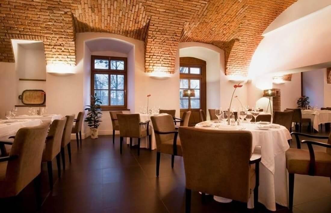 Zamek Lubliniec - restauracja