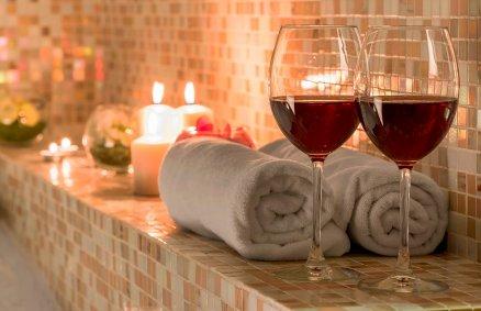 Kąpiel SPA z lampką wina dla Dwojga
