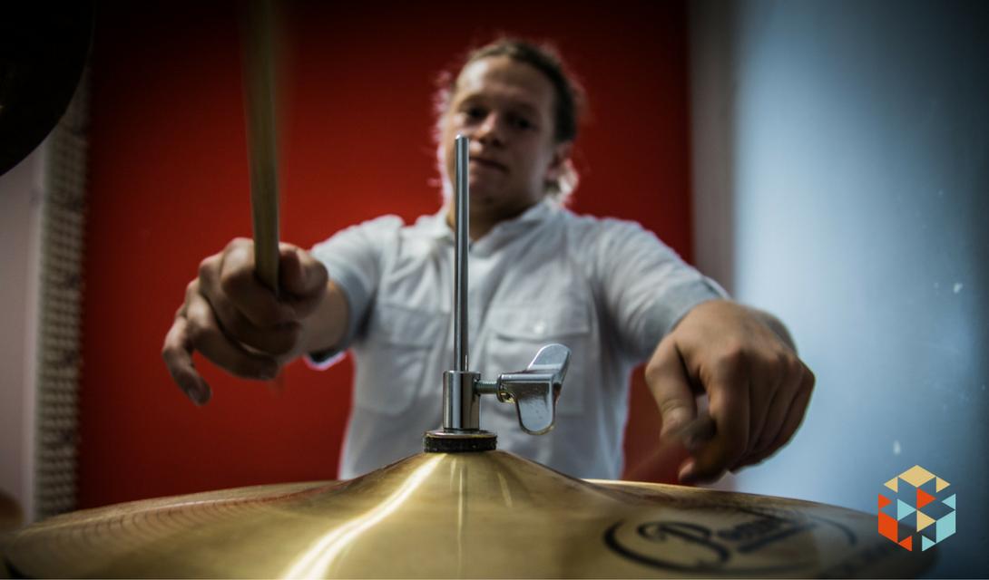 Lekcja gry na perkusji w prezencie w Warszawie.