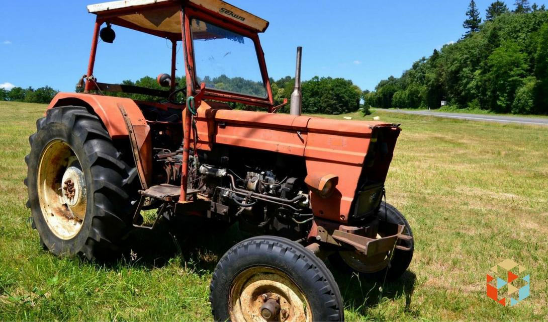 Jazda traktorem po polu