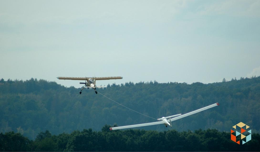 Start szybowca za samolotem
