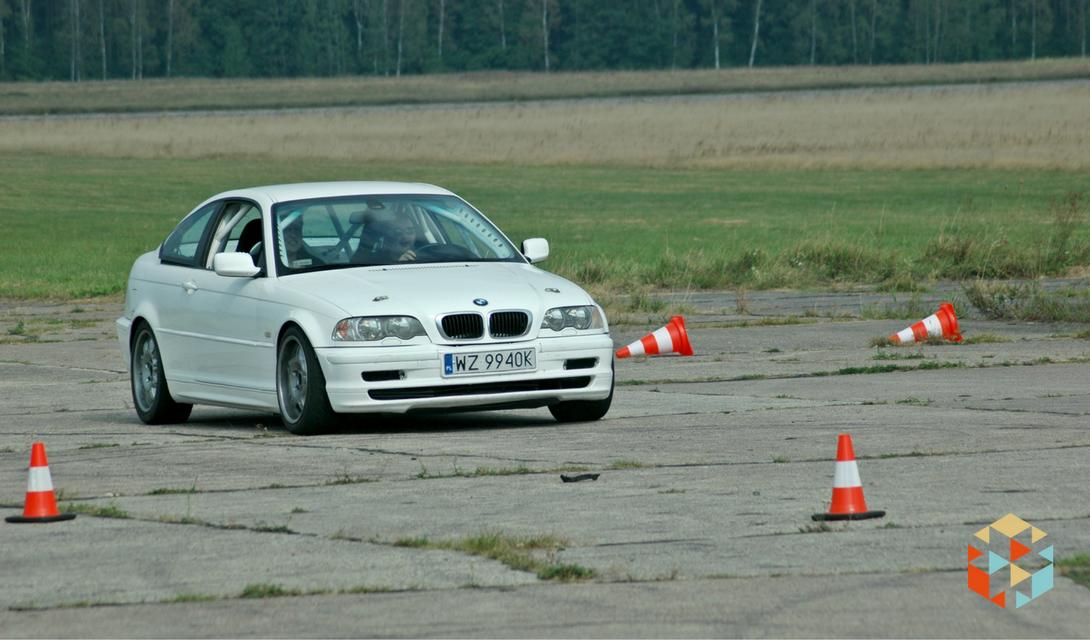 Drift BMW M3 na torze w Nowym Mieście nad Pilicą