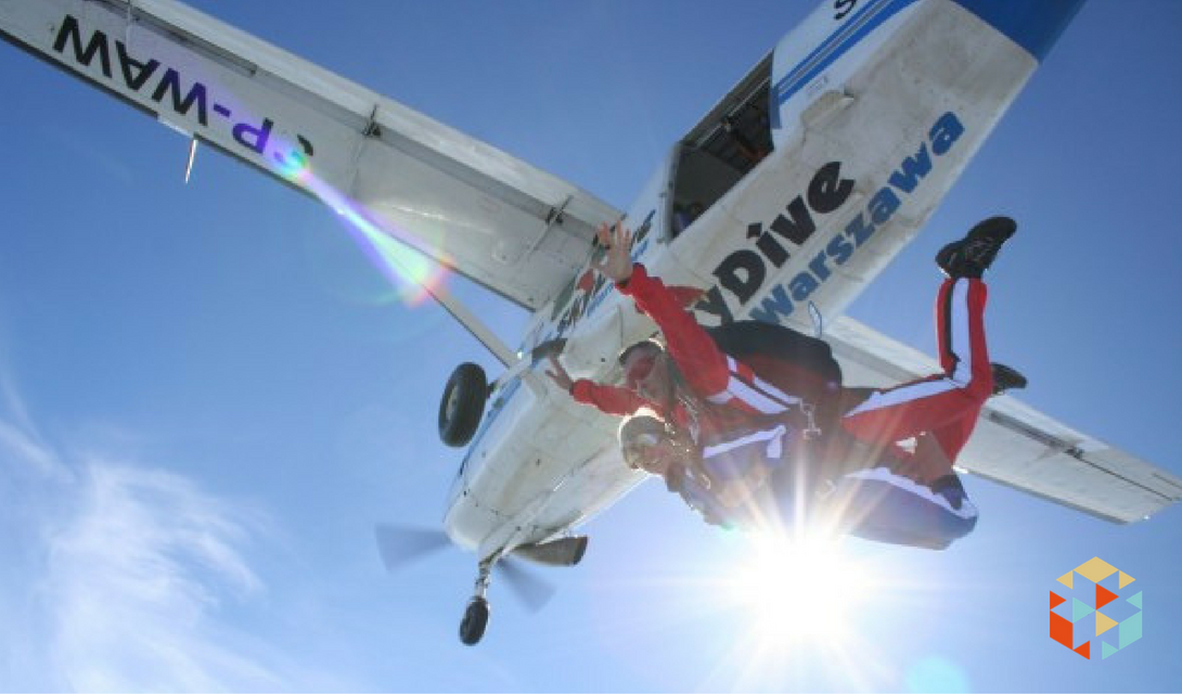 Skok ze spadochronem w Warszawie