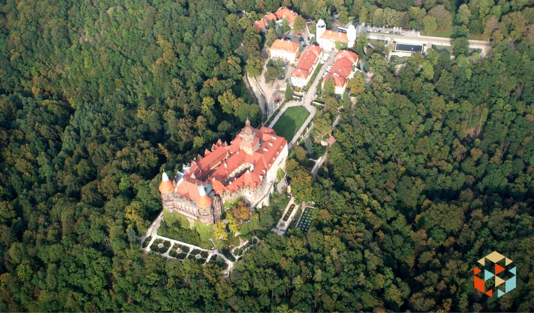 Zamek Książ z lotu ptaka - loty widokowe Wilgą