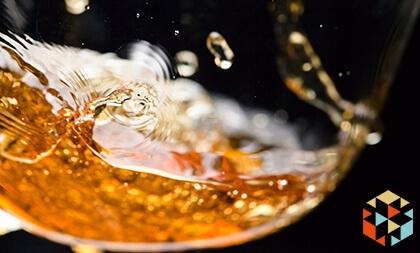 degustacja wina to pomysłowy prezent dla miłośnika gotowania