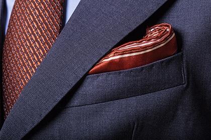 Prezent na święta dla mężayczny - krawat i poszetka
