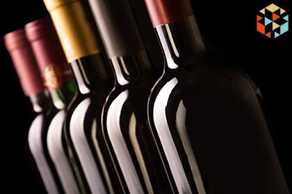Pięć butelek wina